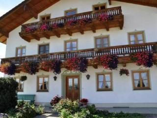 LLAG Luxury Vacation Apartment in Schechen - 753 sqft, quiet, natural, comfortable (# 4780)