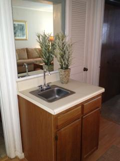 'Wet Bar' in Dining Area