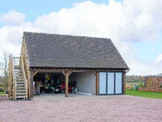 THE ACORN LOFT, welcoming apartment in great touring location, Northwood Ref 903772, Welshampton