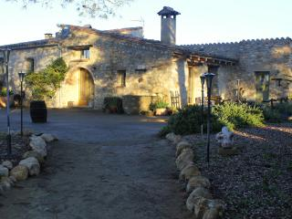 Comfortable country house with pool (Costa Brava), Cistella