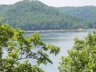 Lakefront Chalet Secluded On Acreage --Jacuzzi - Silver Point vacation rentals