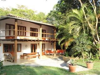 Spacious house and garden, with pool, in Trancoso