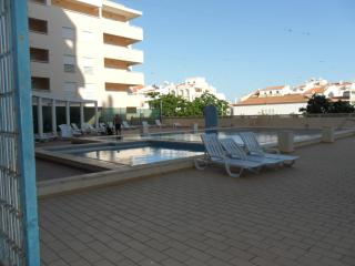 T1 Apt with Pool 3 minutes to the beach  JAS-6E, Armacao de Pera