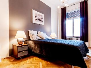Fashion street 3 bedrooms apartment A/C wifi, Budapest