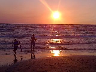 SAUBLE BEACH! GREAT LOCATION!  1 MIN WALK TO BEACH - Sauble Beach vacation rentals