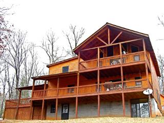 Bear Rock Lodge 3 Bed/ 2 Bath, Blue Ridge