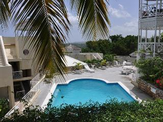 PARADISE CH -132348 1 BEDROOM APARTMENT - PRIVATE | SECURE TOWN LOCATION WITH POOL - OCHO RIOS - Ocho Rios vacation rentals