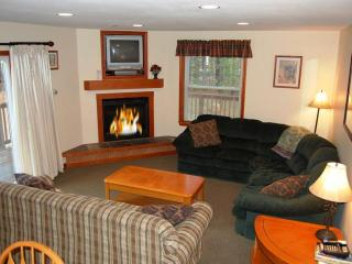 Bear Brook House, Multi Family & Group Vacations, Glen