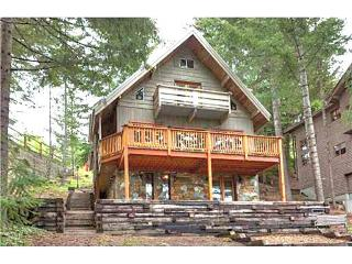4 BR Chalet Close to the Village, Whistler
