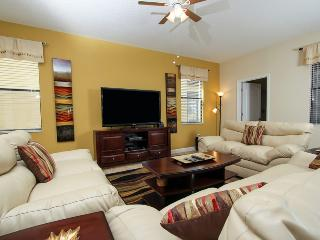 Close to Disney 6/6 home with pool and game room, Davenport