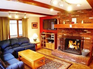 Spacious Mountain Home In Ideal Location, Glen