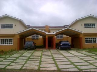 Huge 5 bedrooms Villa in Guavaberry Country Club., Juan Dolio