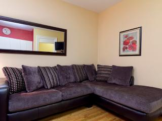 Sleeps 4! 1 Bed/1 Bath Apartment, Times Square, Awesome! (8214), New York