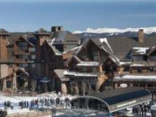 Ski in/out 2 BR Condo Breckenridge 3/14-21 sleep 8