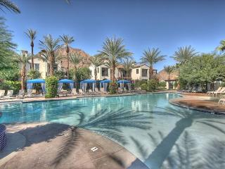 3 Bedroom Town house single level with 2 car garage, La Quinta