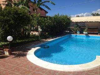 Holiday House with pool, Balestrate