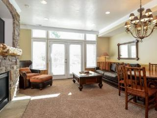Snowbasin South View Huntsville Condo | Luxury 1 Bedroom | Lakeside Unit 21A