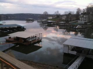 What a View! Lake Front, Perfect Family House, Lake of the Ozarks