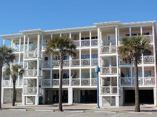 South Beach Ocean Condos - East - Unit 3 - Panoramic Oceanfront Views of Tybee Beach - FREE Wi-Fi, Tybee Island