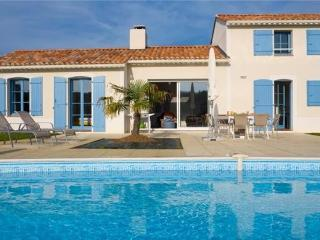 Holiday house for 5 persons, with swimming pool , in Sables d'Olonne - Western Loire vacation rentals