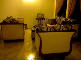 A 3 bedroom house  in front of the river., Dambulla