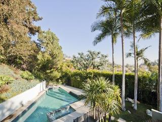 Hillgrove Drive by onefinestay, Beverly Hills