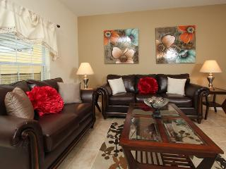 Perfect vacation townhome in Paradise Palms 4/3, Kissimmee