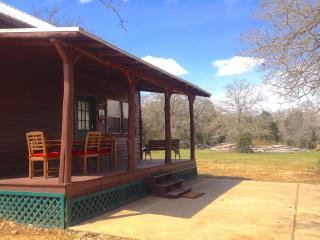 Hill Country Getaway cabin near Austin, Bastrop, Paige