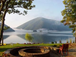 Luxurious European Bed & Breakfast - 5 Star Rating - Smith Mountain Lake vacation rentals