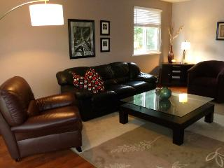 Updated Spacious 'Home away from home', Nanaimo