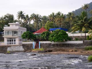 River's Edge Luxury Riverside Villa, Athirappilly, Chalakudy