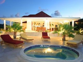 Unbelievable 4 Bedroom Villa on Famous Orient Beach, Orient Bay