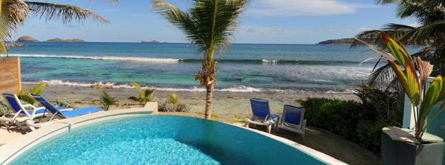 2 Bedroom Beachfront Villa in Anse des Cayes