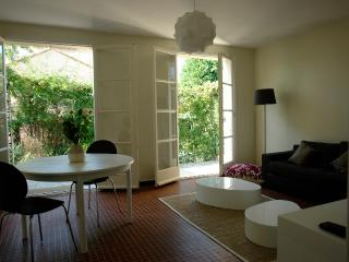 Charming and Affordable 2 Bedroom Saint Remy House, Saint-Remy-de-Provence