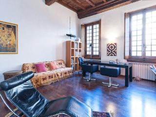 Tornabuoni Apartment in Florence - Florence vacation rentals