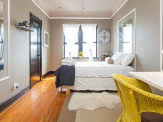 Wrigleyville Studio - Illinois vacation rentals