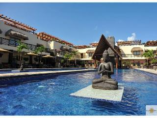 BEAUTIFUL CONDO with enormous terrace & private pool-Mamitas Beach, Playa del Carmen