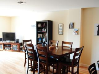 Perfect Superbowl Apartment - 20 min train to game, Newark
