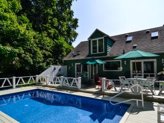 aqua Bliss House **8/29-9/3 $2275** POOL/HOTTUB, Lakeside