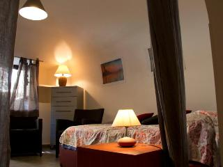 HomeHoliday Igloo Politeama Palermo - Palermo vacation rentals