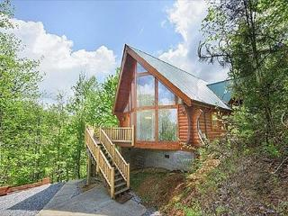 Highlander. Your Smoky Mountain cabin between Pigeon Forge and Gatlinburg!, Sevierville