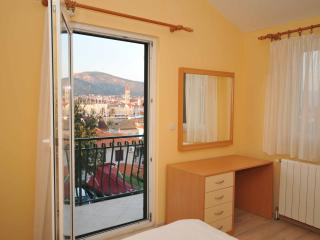 Charming apartment with a swimming pool, Trogir