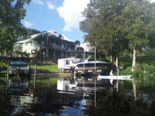 Waterfront Apartment in Private Home, Satsuma