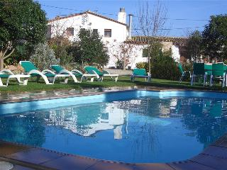 Majestic Catalan mansion in Riudarenes for 20 guests, located just outside of Girona, Riudarenas