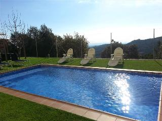 Charming and cozy Villa Sole surrounded by nature with spectacular mountain views, Castellar del Vallès