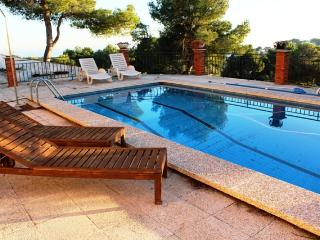 Coastal villa in Castellet, 5km from Costa Dorada beaches, L'Arboc