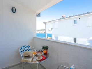 Air conditioning se view apartment 100 from beach, Okrug Gornji