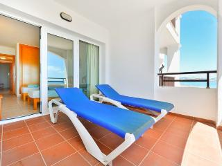 Cozy Apartment in front of Space, Playa d'en Bossa