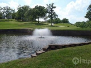 Great Pointe Royale Walk-In One Bedroom Overlooking 10th Green, Branson