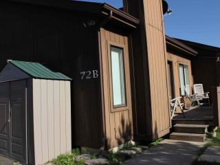 Whitefish Holiday Haven condo close to skiing